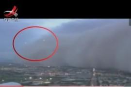 美国沙尘暴惊现ufo视频图片真假难辨?