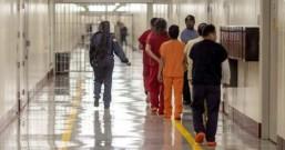 纽约监狱员工确诊引发连锁反应压垮美国抗疫的最后一根稻草!