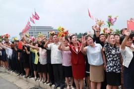 朝鲜欢迎仪式感动国人:中朝团结如一人,试看恶魔怎横行!